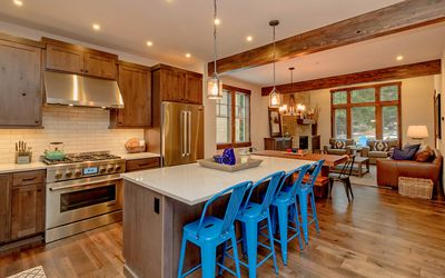 Miners Gold in Suncadia - All Seasons Vacation Rentals - Spacious and fully stocked granite kitchen.