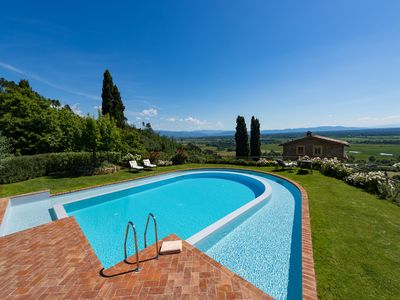 Photo for Superb 6 bedroom House in Lucca (Q6358)