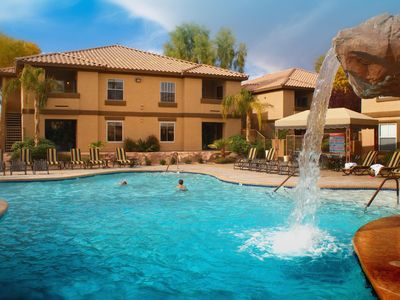 Photo for Family-Friendly Condo w/ WiFi, Resort Pool, Spa & Gym - 10 Min. to Vegas Strip