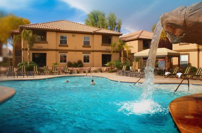 Desert Paradise Resort Outdoor Pool