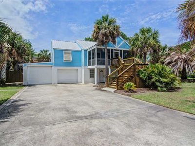 Photo for Close Beach Access | Wifi | Gas Grill | Screened In Porch | 4 BR Home Isle of Palms