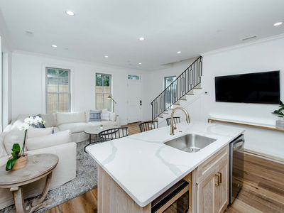 Photo for Guesthouse Charleston: WEST (242 C)