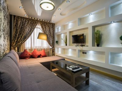 Photo for Lovely Modern Apartment Next to Bessarabskaya Square