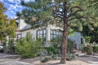 The vacation rental sits just over 1 mile from Old Town Albuquerque.