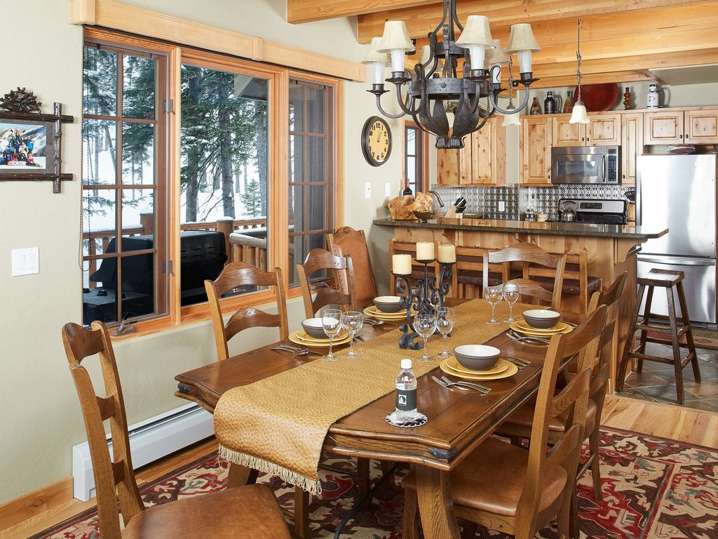 Property Image#6 REDUCED JANUARY PRICING! Ski In/ski Out And Access To