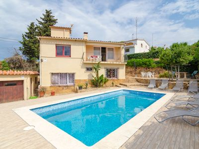 Photo for Club Villamar - Family Villa with private pool and terrace with barbecue about 2 km from the beach.