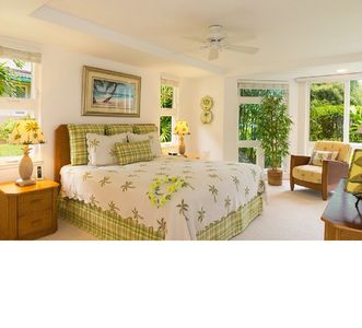 Photo for Luxury townhouse w/pool,walk to beach,shopping,dining, best long-term rate!