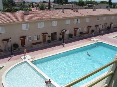 Photo for Appt conditioning, sea view, large swimming pool, near beach, with 2 bikes