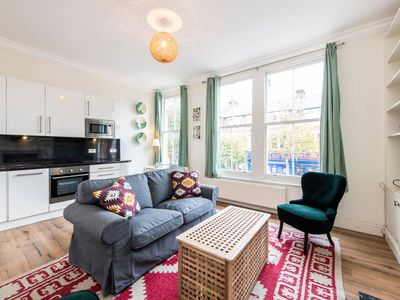 Photo for Comfortable, Bright, 2 Bed Flat Nr Notting Hill