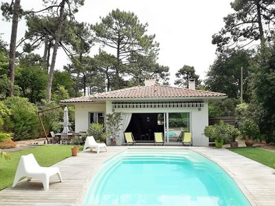 Photo for family home on the golf of Arcachon with swimming pool