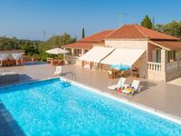 This private secluded villa has pretty much everything you need for a perfect holiday. Villa is l...
