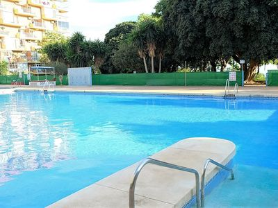 Photo for Apartment in swimming pool complex and 24 hour reception. For 5 people dormit