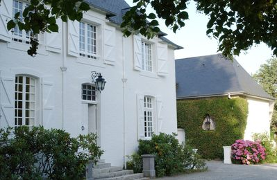 Clos Mirabel Manor House and Estate sleeps up to 35 guests.  Open all year round