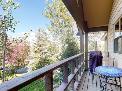 Photo for Modern condo w/ rustic touches, gas fireplace, balcony, & grill - walk to golf!