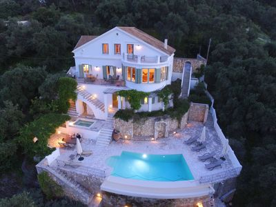 Photo for Stunning Villa With Private Infinity Pool, Jacuzzi And Sea Views