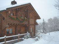 Big, clean chalet and accommodating host!