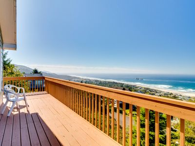 Photo for Dog-friendly house w/ocean view & entertainment - walk to beach