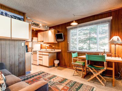Photo for Economy Corner Unit, Wi-Fi, Outdoor Hot Tubs, Parking for 1 Car, Private Shuttle