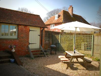 Photo for Twyne; beautiful 5 Star Gold rated cottage in rural Kent