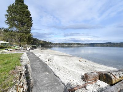 Photo for Pristine Vashon Beachfront Cabin