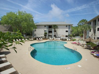 Photo for Charming condo with shared pool and tennis - blocks from beach!