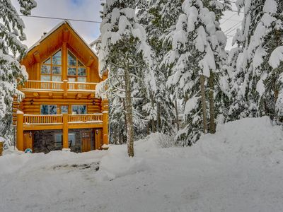 Photo for Dog-friendly lodge with two large decks & hot tub, close to lake and skiing!