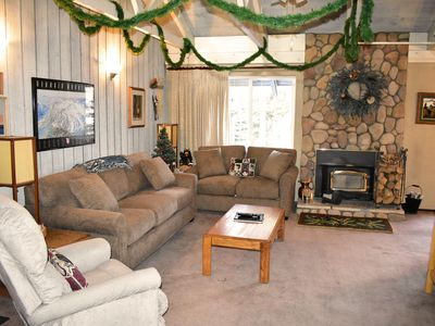 Photo for Big, warm, and comfortable mountain condo. #106 Close to town shuttle stop