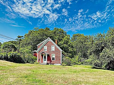 Photo for New Listing! 'Greenleaf Cottage' Woodsy Getaway w/ Fireplace
