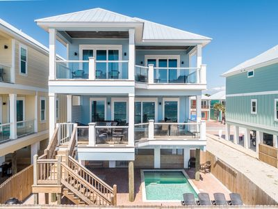 Photo for Blue Heaven on the Beach - Beachfront - Pool - Grill - Ocean view balconies
