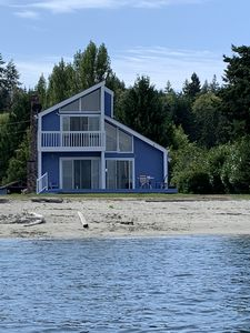 Photo for Cozy Retreat with Private Sand Beach