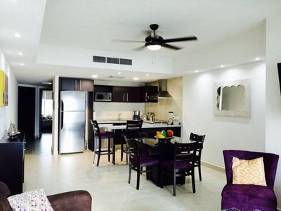 Photo for One bedroom condo with ocean view in the hotel zone for rent.