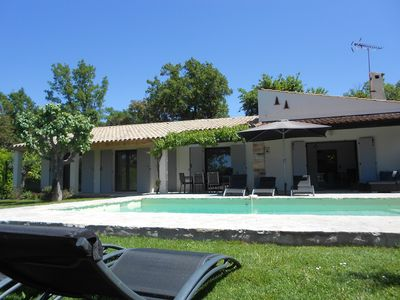 Photo for Air-conditioned villa with private pool in the heart of Bagnols-en-Forêt