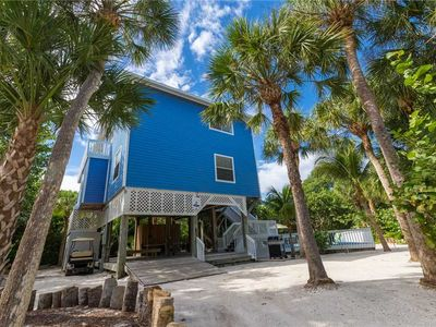 Photo for FANSTASTIC 4 BEDROOM 3 BATH HOME ON N. CAPTIVA W/ PRIVATE POOL & SHORT DISTANCE TO THE BEACH