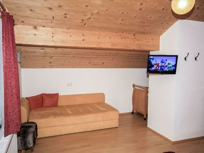 Photo for Lovely apartment for 11 people with WIFI, TV, pets allowed and parking