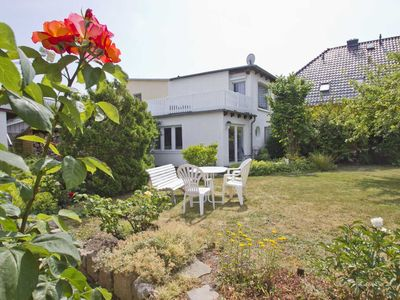 Photo for BARFH - quiet location, balcony and terrace, for 3 persons - cottage Bauernröschen