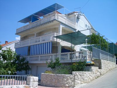 Photo for Modern and comfortable apartment with sea view near Trogir