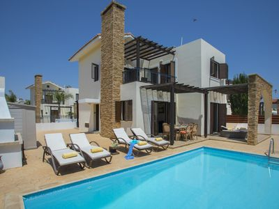 Photo for Three Bedroom modern villa in Agia Thekla