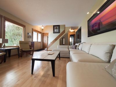 Photo for Relaxing & Spacious Vacation Property with Fantastic Backyard Living Space.