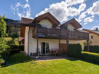 Photo for Modern chalet within walking distance of the charming town centre and the ski lift.