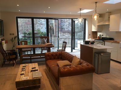 Photo for Entire flat - 2 Bedrooms Garden flat in Battersea