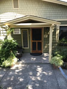 Photo for 3 Bedroom flat in the heart of Ashland
