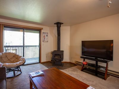 Photo for Remodeled Cozy Upper Floor Condo in Aspen Timeshares