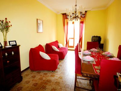 Photo for Classic Red apartment in Vaticano with WiFi, integrated air conditioning (hot / cold) & lift.