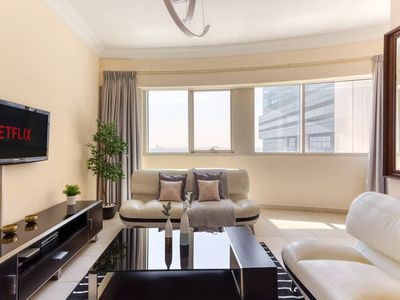 Photo for ★ Contemporary & Spacious Apartment in JLT!