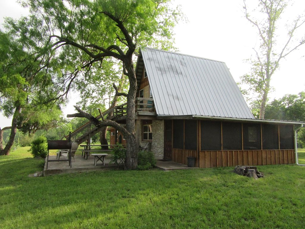 Nueces river front cabin in beautiful texas hill country for Texas hill country cabin