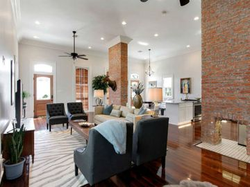 Sumptuous Southern Style By The Quarter