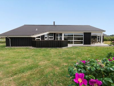 Photo for 8pers. Whirpool holiday home on Vestermeer only 150 to the beach