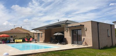 Photo for Detached house T4 with pool, terrace and garden