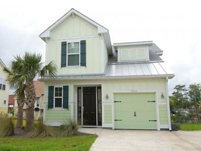Photo for A Beach Haven, Beautifully Decorated Vacation Home with 4 BR 3.5 BA
