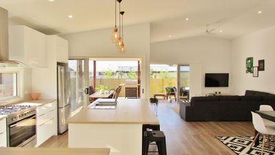 Photo for Quiet location, walk to cafes, lake, club and beach.